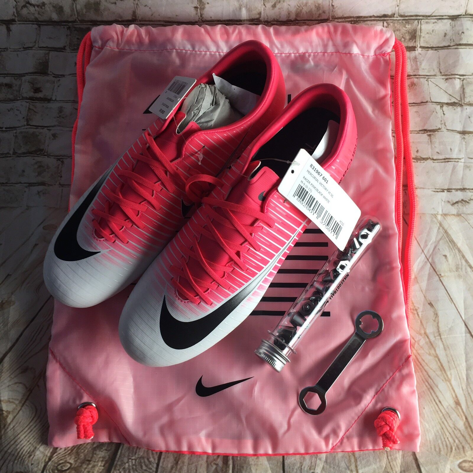 Nike Mercurial Victory VI Mens Football Boots 831967-601 Pink Soccer Cleats Sz 9