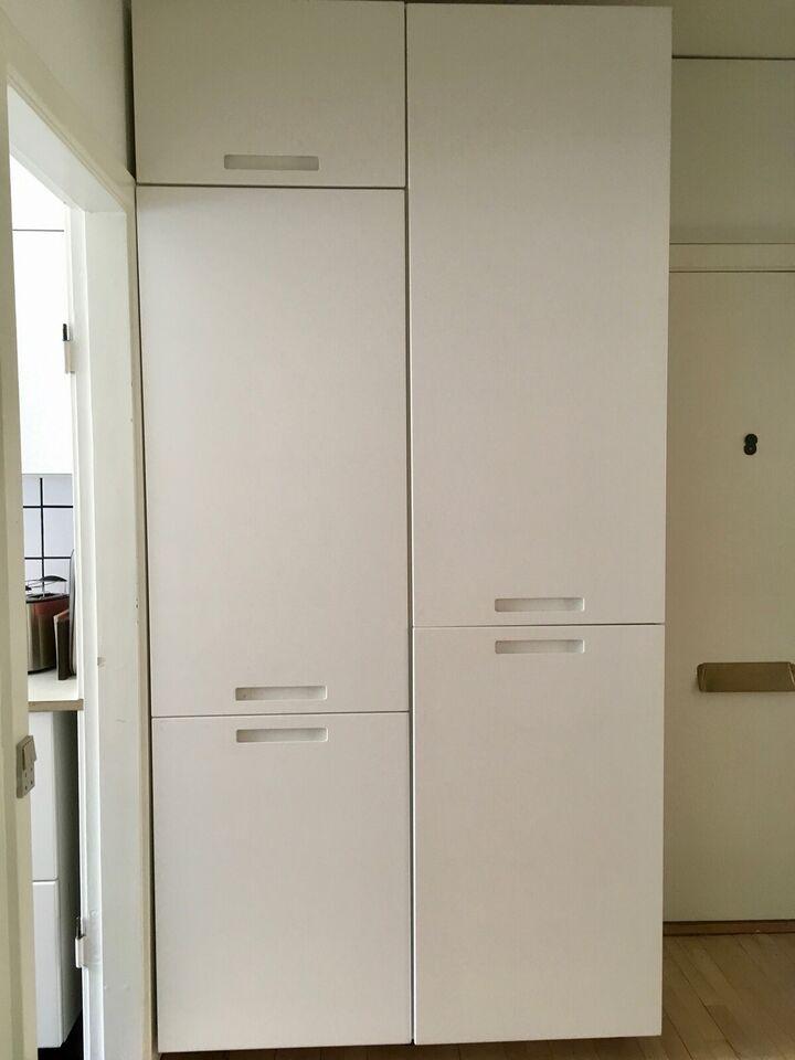 Hvide køkkenelementer fra IKEA sælges billigt