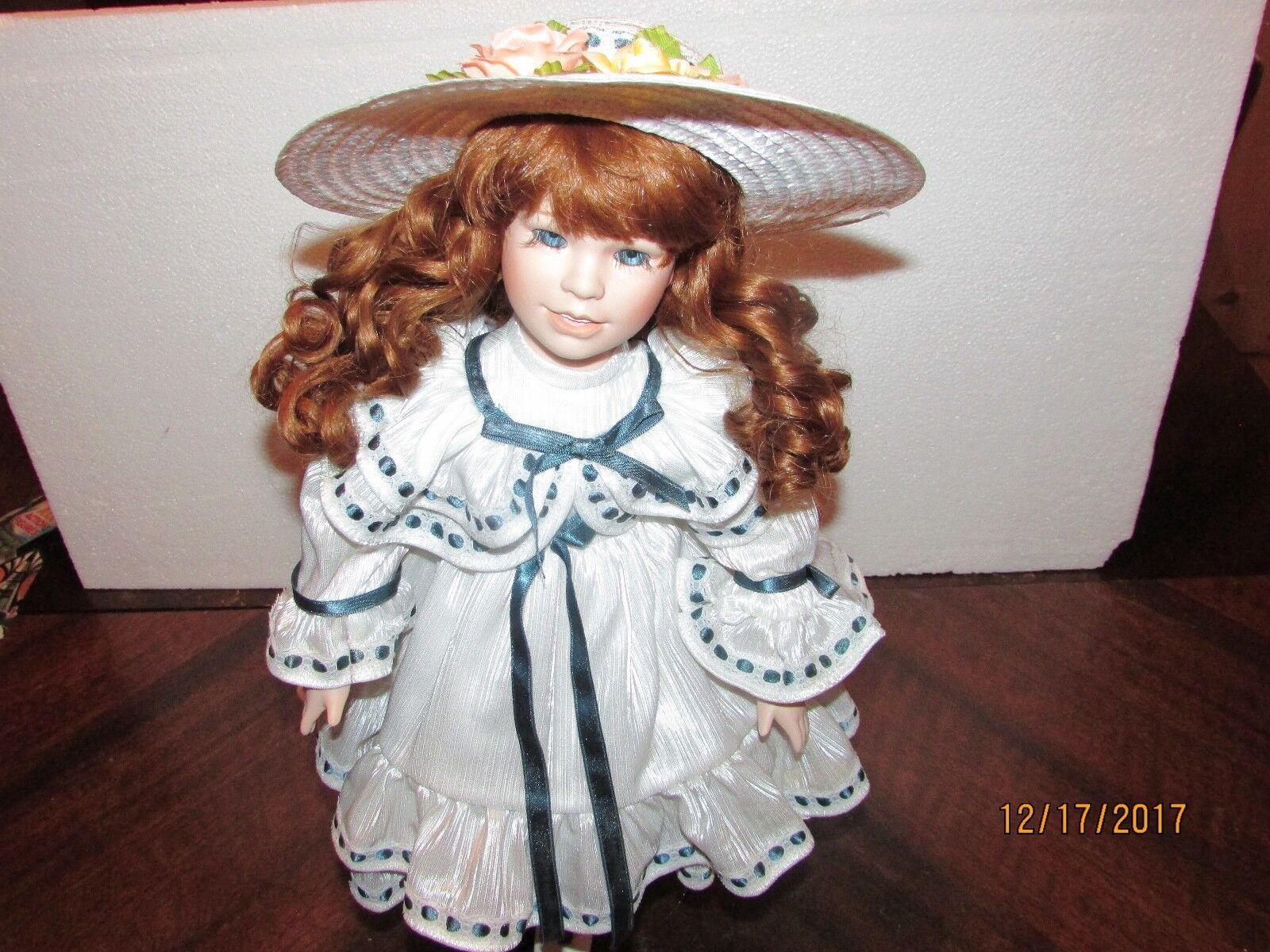 Royal Albert Dynasty  Corinne ,NIB,porcelain  bambola,gratuito shipping.  benvenuto a comprare