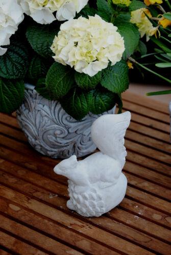 Steinfigur Eichhörnchen  Gartenfigur Dekofigur Gartendeko Skulptur Betonfigur