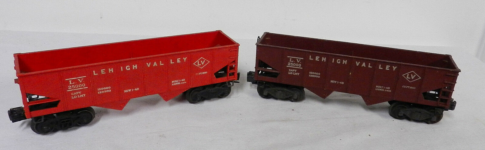 LIONEL 25000 , 6012 & 6511 FLAT HOPPER  (4) CARS LOT O SCALE MAGNETIC  POST WAR