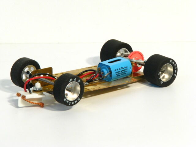 HRCH05 1 24 Adjustable RTR Chassis with 25 shore Silicone rear tires