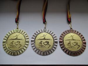 1 Pokal Kids Medaillen 70mm 3er Set Deutschland-Bändern Emblem Zahlen Zahl Nr Pokale & Preise