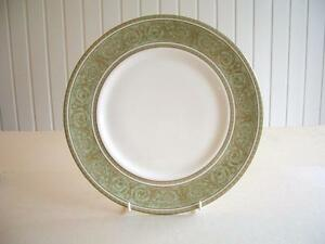 Royal-Doulton-English-Renaissance-Dinner-Plate-virtually-UNUSED