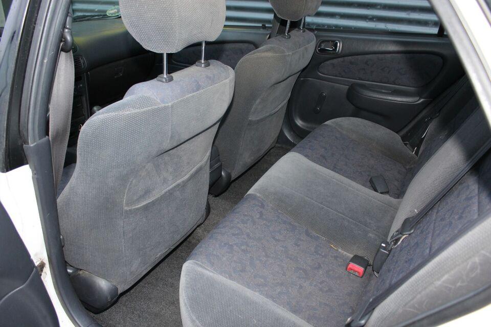Toyota Corolla 1,4 Natura Benzin modelår 2001 km 314000