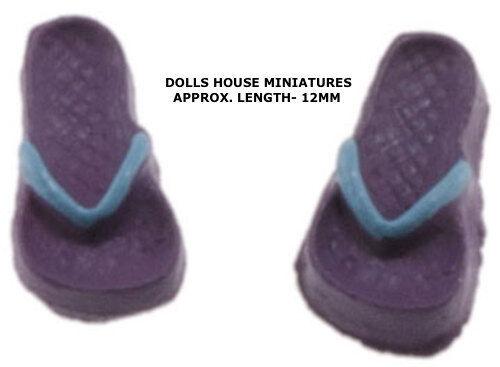 bleu paire de minuscules Tongs 1:24 échelle Lilas mer doll house miniature