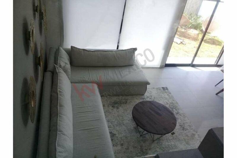 Casa Nueva en venta en Juriquilla  con estudio y área de bar, con magnifica casa club.