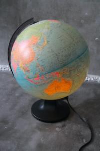 Globemaster-Globus-Erdglobus-Leuchtglobus-Tischlampe-Tisch-Leuchte-31-cm-RAR