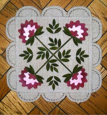"Wool Applique Pattern by The Cottage at Cardiff Farms  ""Pretty Peonies"""