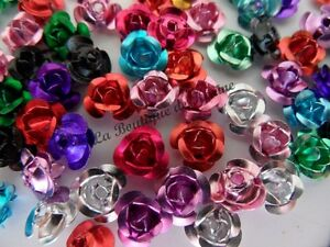 LOT-DE-50-PERLES-ALUMINIUM-MULTICOLORE-FORME-FLEUR-ROSE-7-mm-CREATION-BIJOUX
