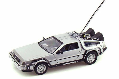 BACK TO THE FUTURE DELOREAN TIME MACHINE 1//24 SCALE DIECAST CAR BY WELLY 22443SV