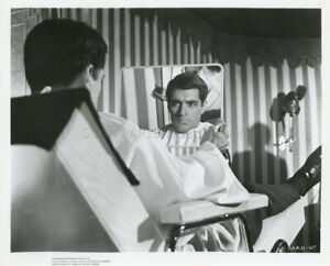 JOHN-GAVIN-THE-MADWOMAN-OF-CHAILLOT-1969-PHOTO-ORIGINAL-16