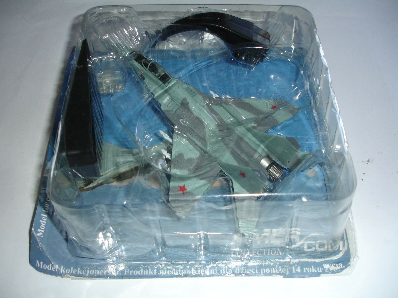 MIKOYAN MIG-29 MIG-29 MIG-29 FULCRUM-C 234 GUARDS FIGHTER REGIMENT 1991 1 100 SCALE DIE-CAST 5b947a