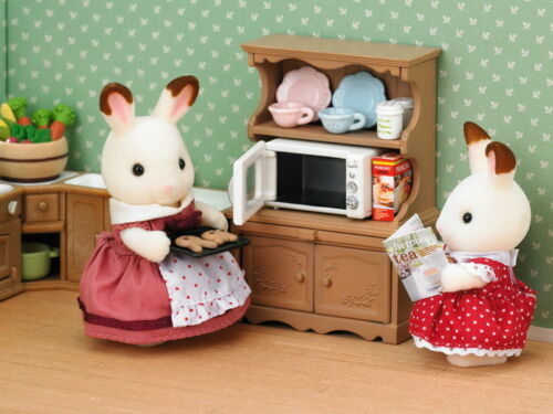 Sylvanian Families Calico Critters Cupboard with Oven