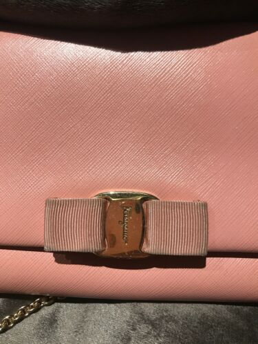 Signature Strap Chain Ferragamo Vara Bow Salvatore Pink Calf Leather Bag ZUwxC