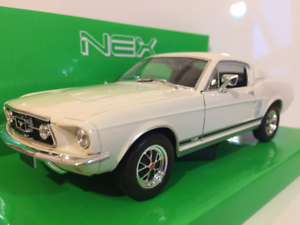 Ford-Mustang-Gt-1967-Creme-1-24-Echelle-Welly-22522CR
