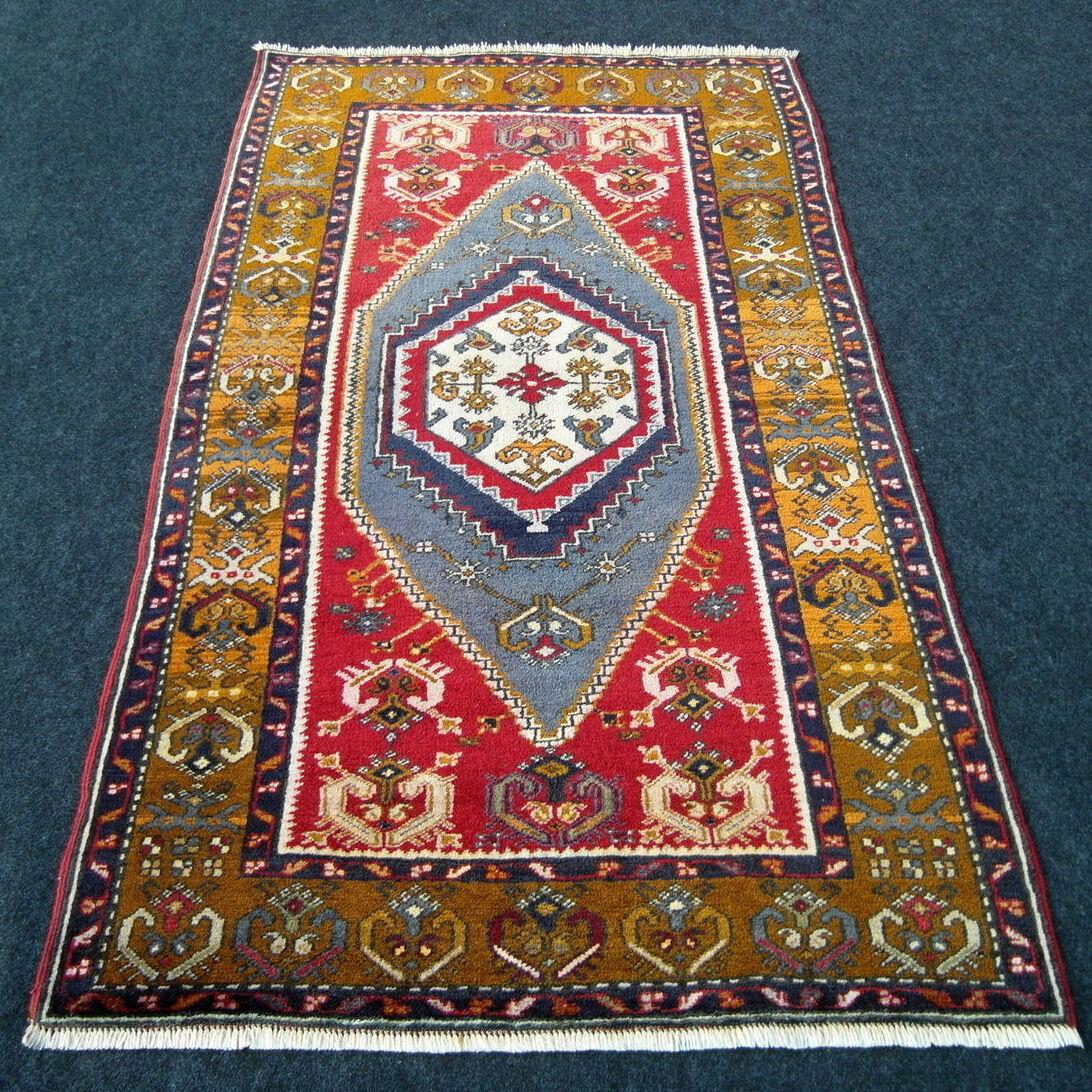 La antigua alfombra Orient 158 x 93 cm edad yahyali rojo hecha oriental Rug