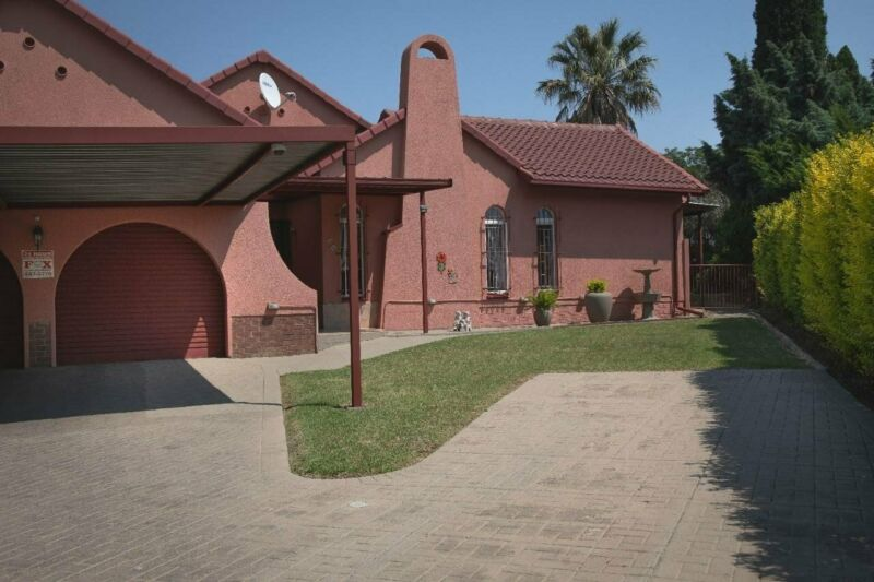 THIS LOVELY NEAT HOME IS SITUATED IN A SORT AFTER AREA OF RANDHART