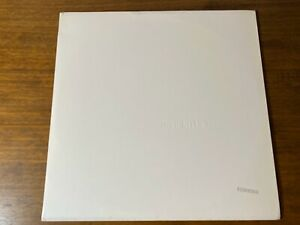 BEATLES-WHITE-ALBUM-ORIGINAL-FIRST-PRESS-NUMBERED-APPLE-COMPLETE-WITH-INSERTS