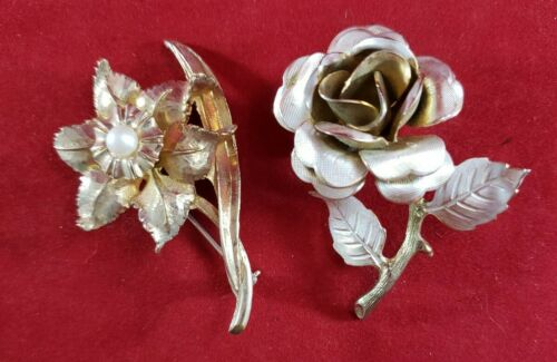 Vintage Faux Coral Lily Brooch With C Clasp