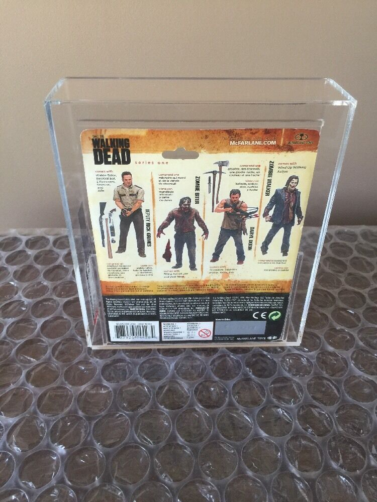 Mcfarlane AMC The Walking Dead Dead Dead series 1 one Zombie Biter Rare Small Card AFA 8.5 b8bd34