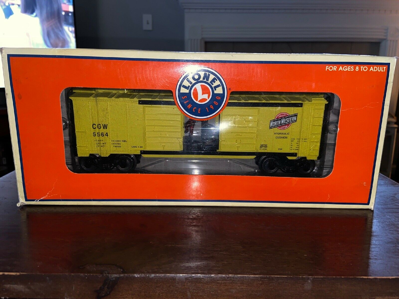 Lionel Train 636732 C&NW Jumping Hobo Operating auto Mint scatolaed