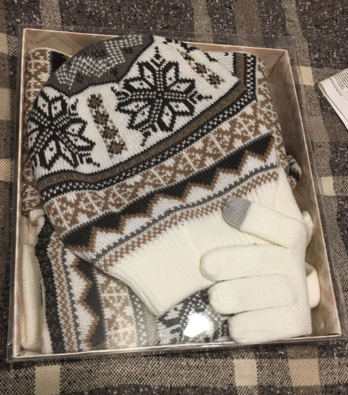 Mukluks Reversible Scarf, Hat 3-in-1 Gloves Wrist Warmers Gift Set - Cream Nib Bringing More Convenience To The People In Their Daily Life