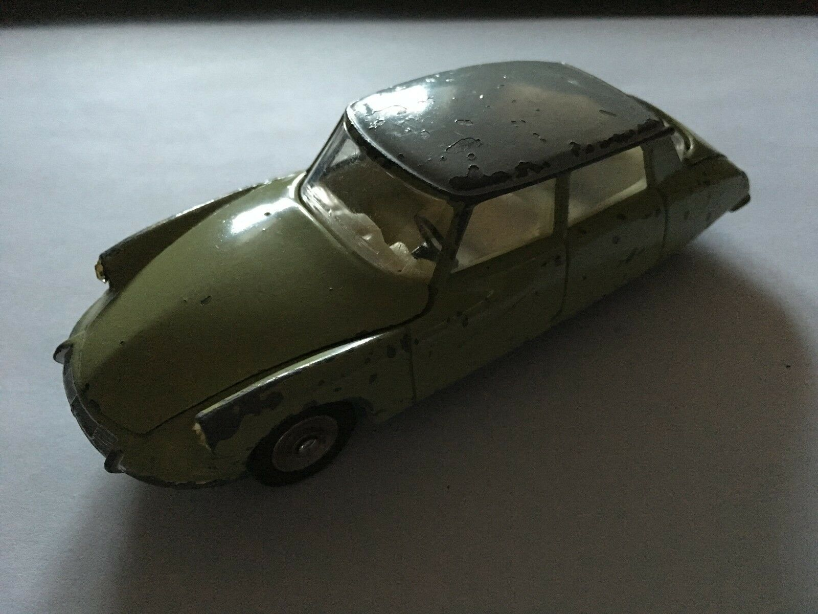 Dinky Toys (French) vintage rare Citroen DS 19