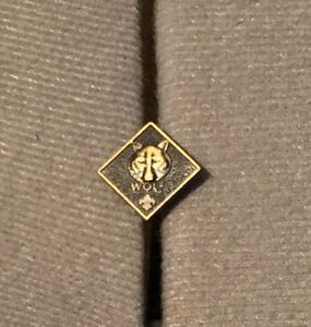 BSA-Boy-Scouts-Of-America-Wolf-Pin-Cub-Scout-Insignia-Wolf-Pin
