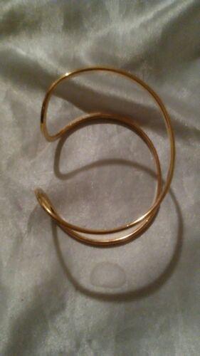 COSTUME JEWELRY GOLD TONE BANGLE BRACELET