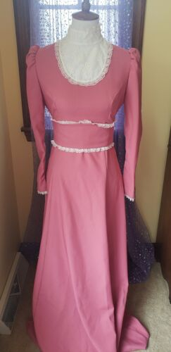 Vintage 70's Dusty Rose Victorian Lace Prairie Max