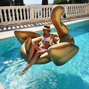 2017 Pool Inflatable Summer Swimming Ring Giant Rideable Flamingo Float fun