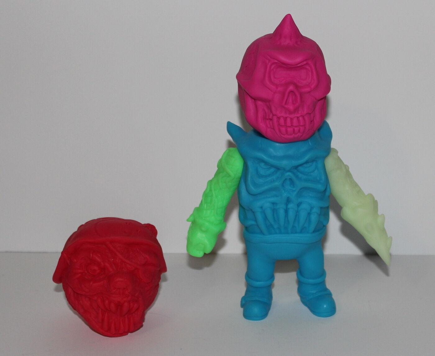 Unpainted Mixed Parts Mishka Bootleg Kaiju with Bear Bear Bear Head Toy Collectible ef07ce