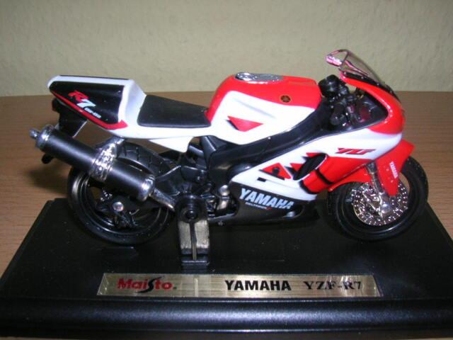 MAISTO YAMAHA yzr-r7 / YZR R7 BIANCO ROSSO, 1:18 MOTO MOTO
