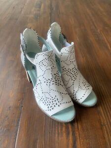 L-039-Artiste-by-Spring-Step-Women-039-s-Lashon-Heeled-Sandal-White-Multi-Leather-Sz-36