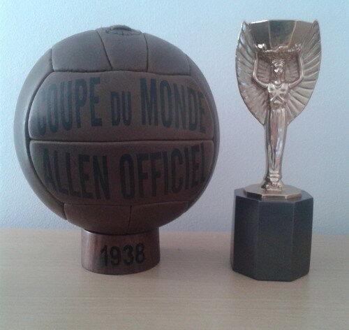 OFFICIAL MATCH BALL 1938 WORLD CUP IN FRANCE. ALLEN (Pre- adidas balls)