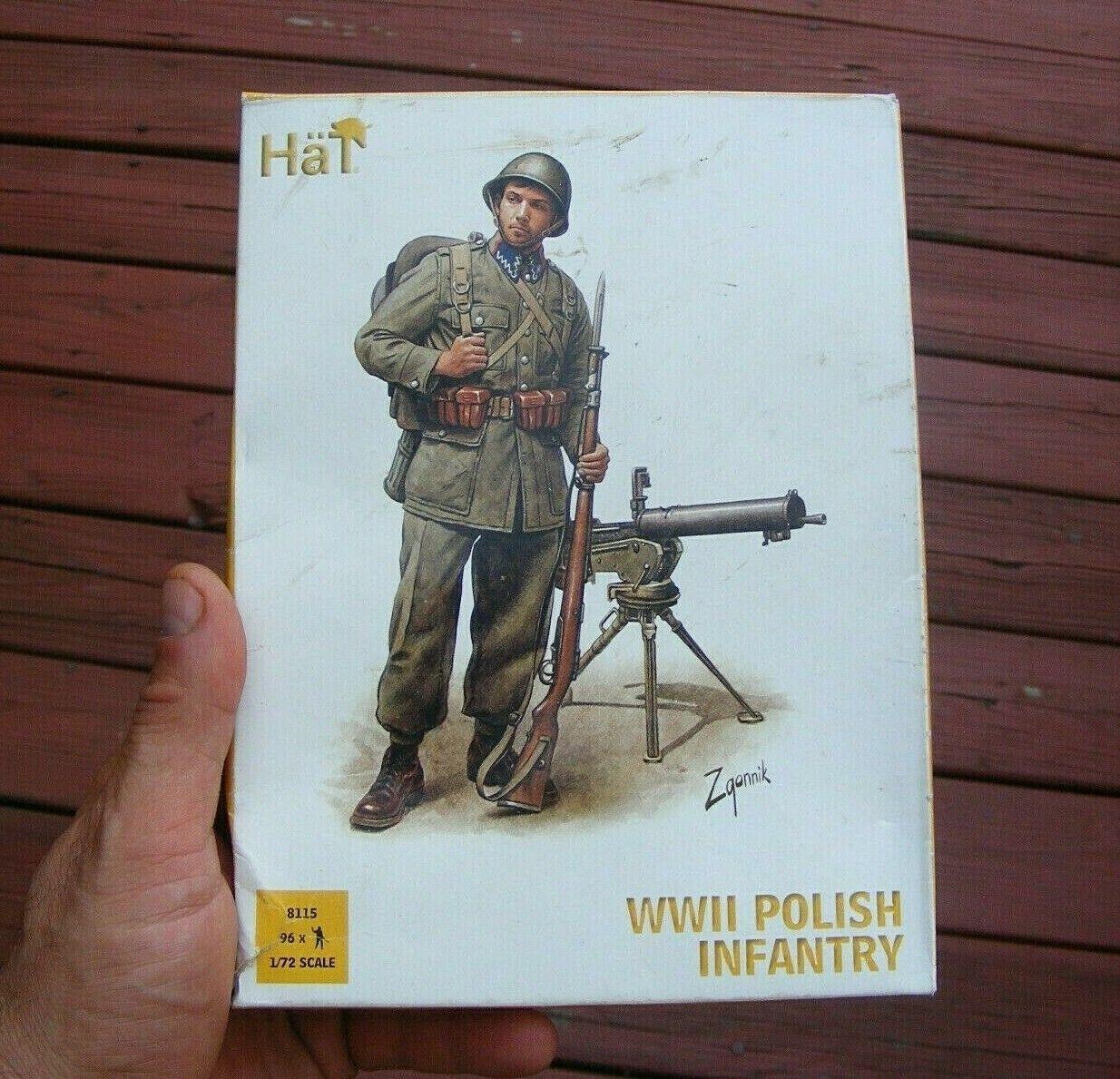 Polish Artillery Crew Hat - 1:72 WWII