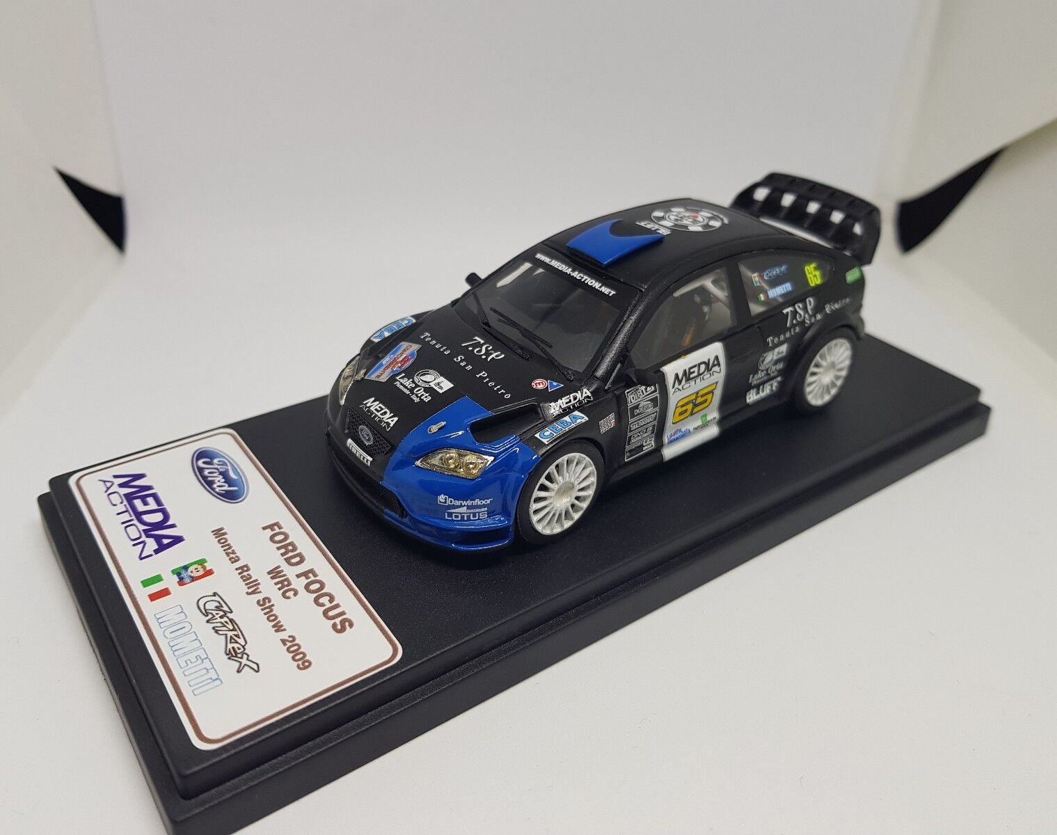 1/43 Ford FOCUS WRC CAPIROSSI-MOMETTI Monza Rally Show 2009
