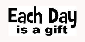 EACH-DAY-IS-A-GIFT-Sticker-Car-Window-Vinyl-Decal-Love-God-Happy-Believe-Faith