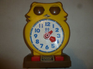 VINTAGE-TOMY-ANSWER-OWL-LEARNING-CLOCK-PLASTIC-TELL-TIME-KIDS-1975-ANALOG