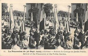 CPA-14-LA-PROCESSION-A-LISIEUX-ARRIVEE-DU-CORTEGE-AU-JARDIN-PUBLIC-ANIMATION