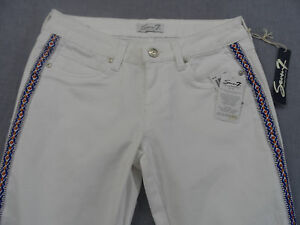 SEVEN-Womans-WHITE-TRIBAL-STRIPED-CAPRI-CROPPED-STRETCH-JEANS-NWT-Sz-6-30-x-22