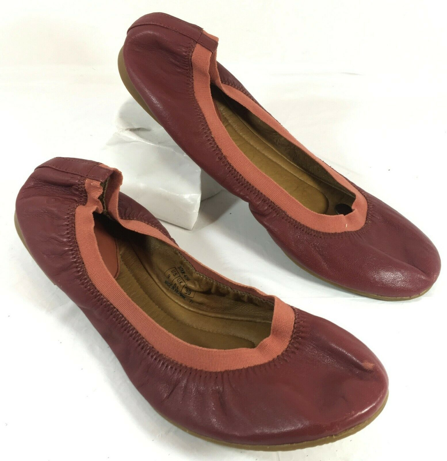 GUC Juil Hawa Ballet Flats Red leather Sz 9