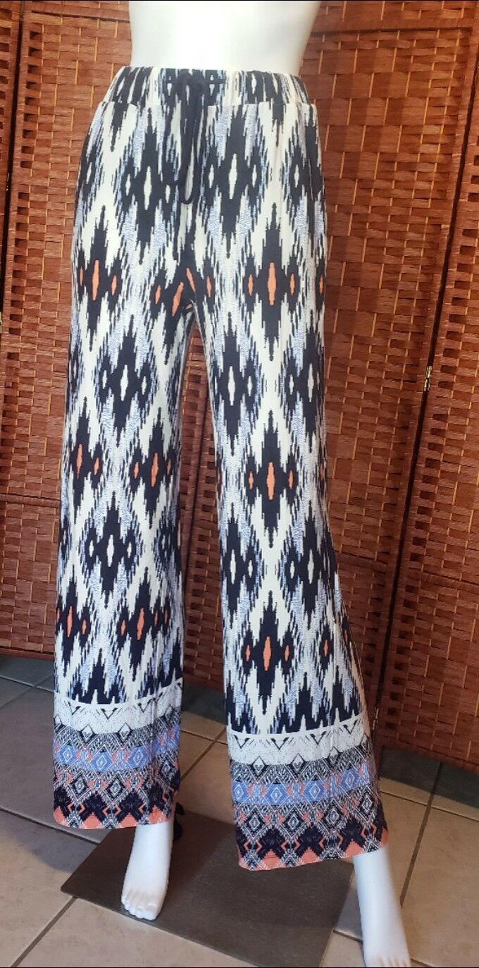 Women's pattern pants size small