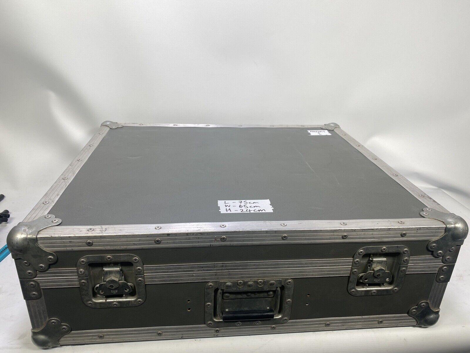 Flight case 75x65x24cm