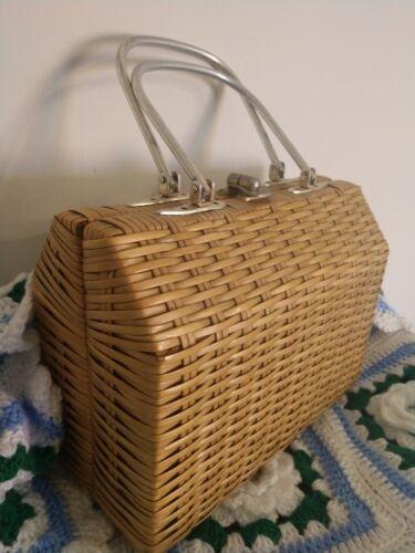 Vintage  Wicker Straw Rattan Purse Basket Lunch BO