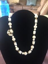 """STUNNING VINTAGE LOOKING WHITE FLOWER AND BEAD NECKLACE  17"""""""