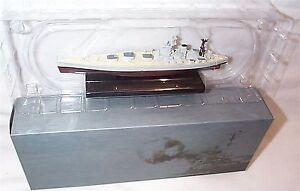 HMS-Nelson-war-Ship-Mounted-on-display-Plinth-1-1250-Scale-mib