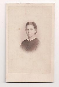 Vintage-CDV-Girl-identified-as-Emma-Photo-by-A-Siegmund-Hamburg