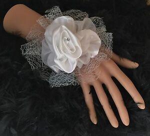 New-Bespoke-Ivory-Cream-Satin-Rose-Wrist-Corsage-Bride-Bridesmaid-Wedding-Proms